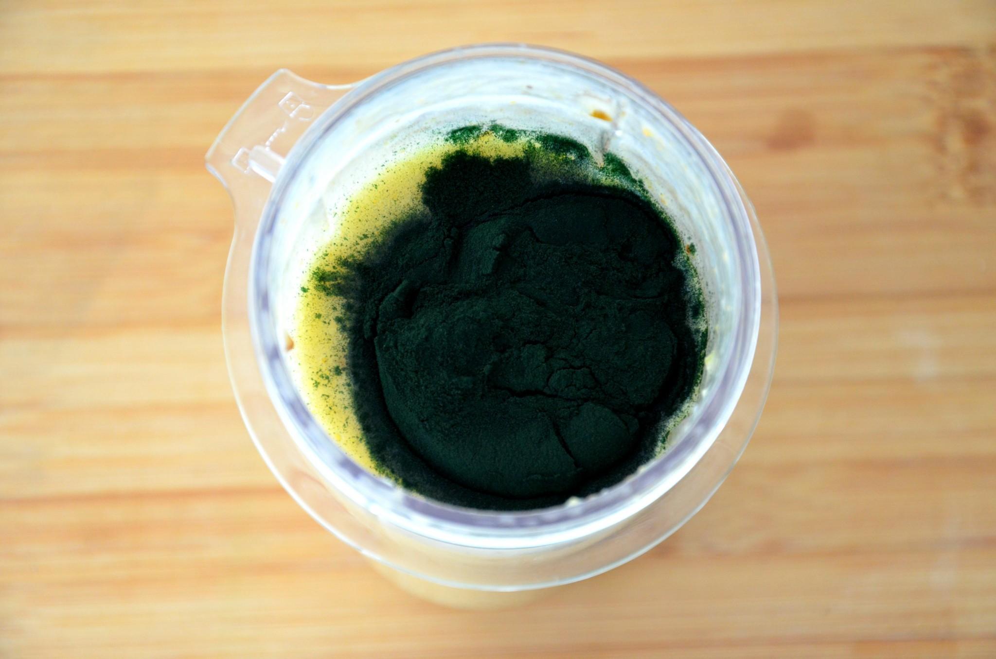 préparation smoothie spiruline2