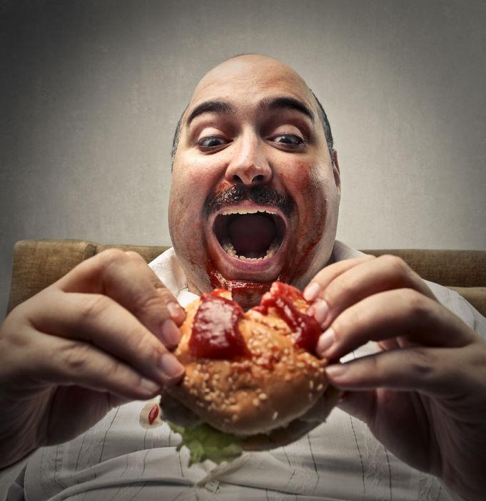 homme surpoids obèse addiction junk food faim sensorielle